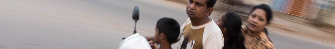 Véhicule familial, place Gandhi à Gadag